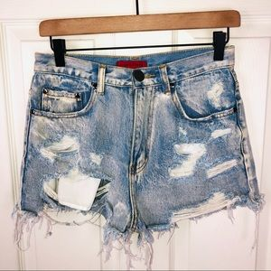 Signature high waisted destroyed jean shorts med